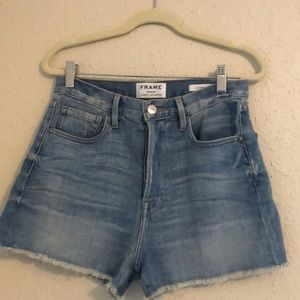 Frame button fly mid rise shorts